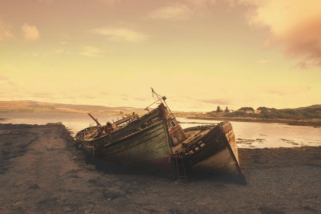 stranded-918933_1920